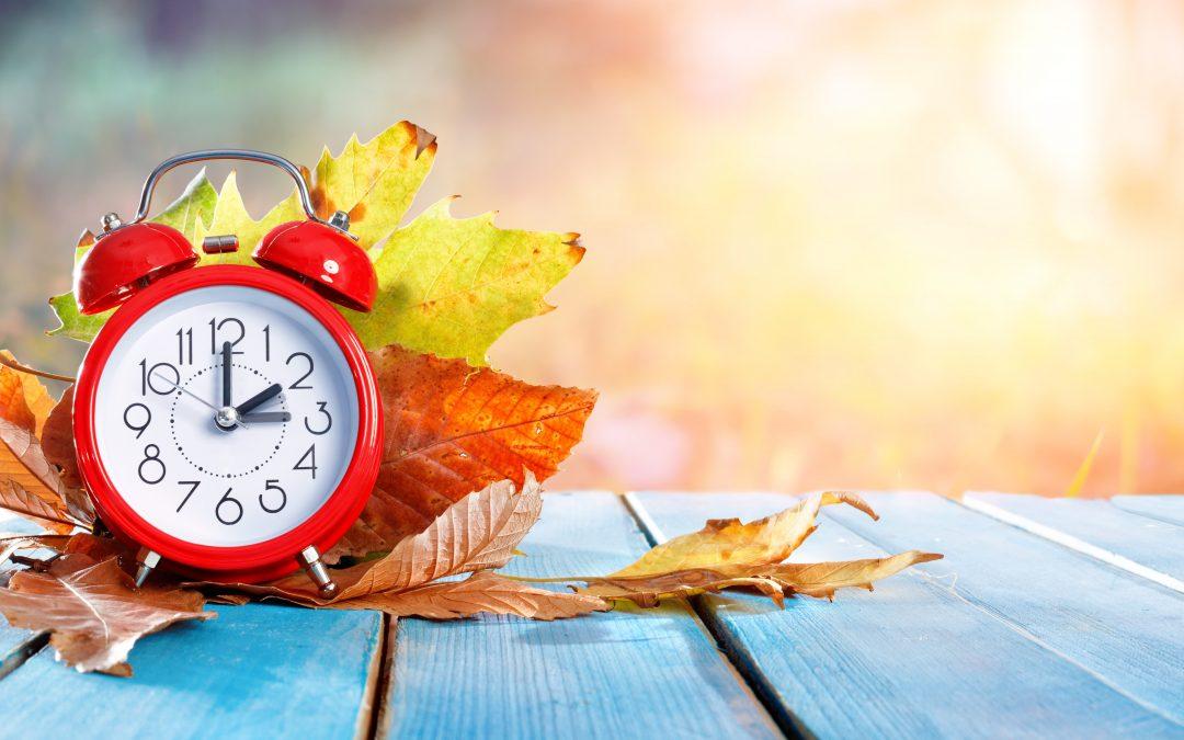 Zimowa zmiana czasu – jak wpływa na organizm i jak sobie z nią radzić?